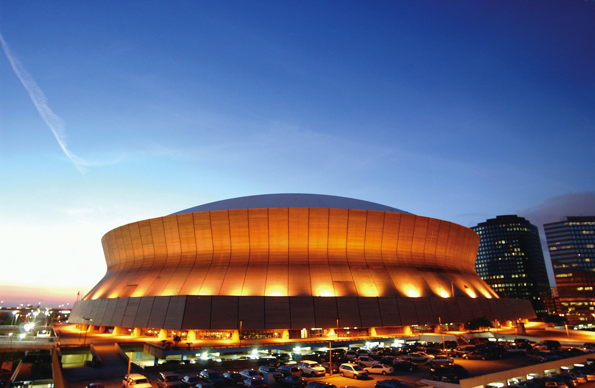 New orleans u s a louisiana superdome outside evening view for Mercedes benz superdome new orleans la