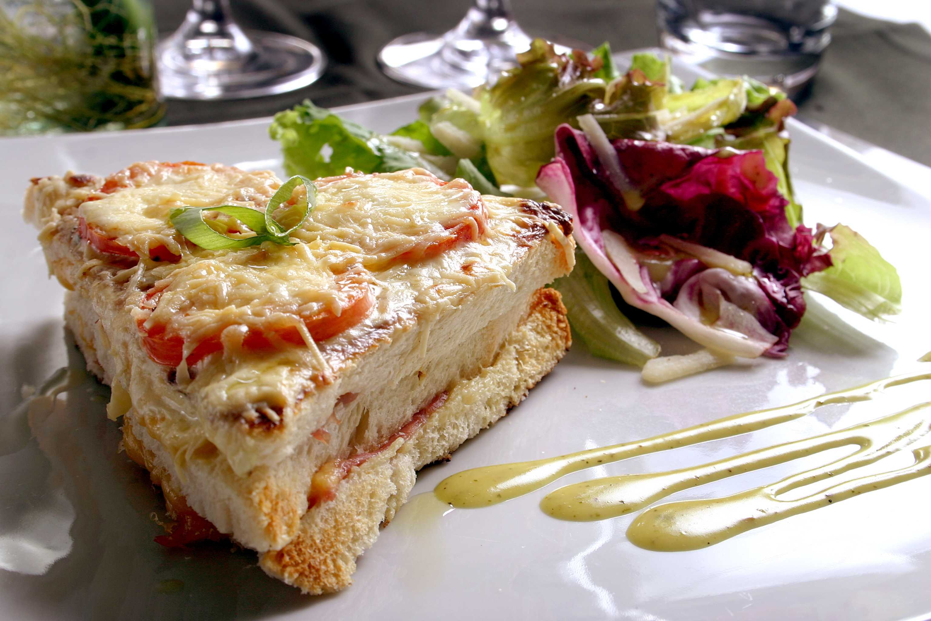 Delicious snacks, Croque Monsieur, France, Presentation 16