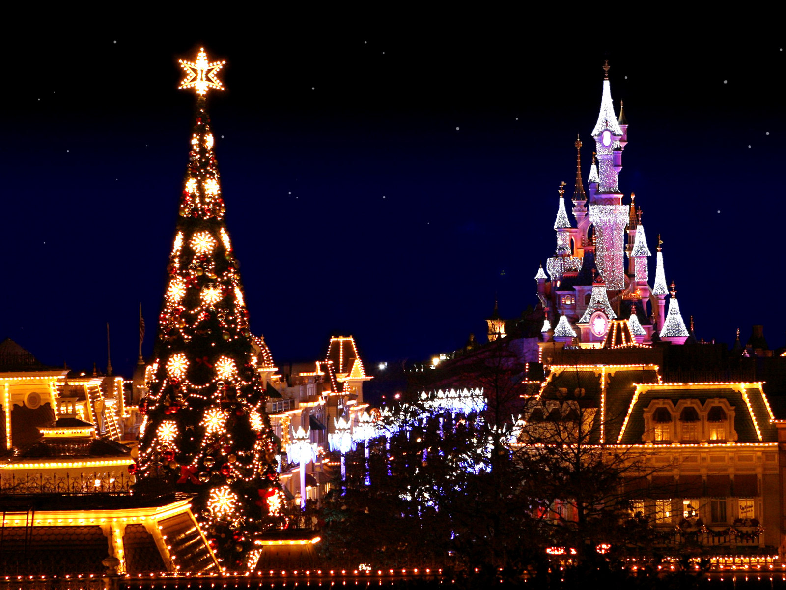 Christmas Paris France.Paris France Disneyland At Christmas Night
