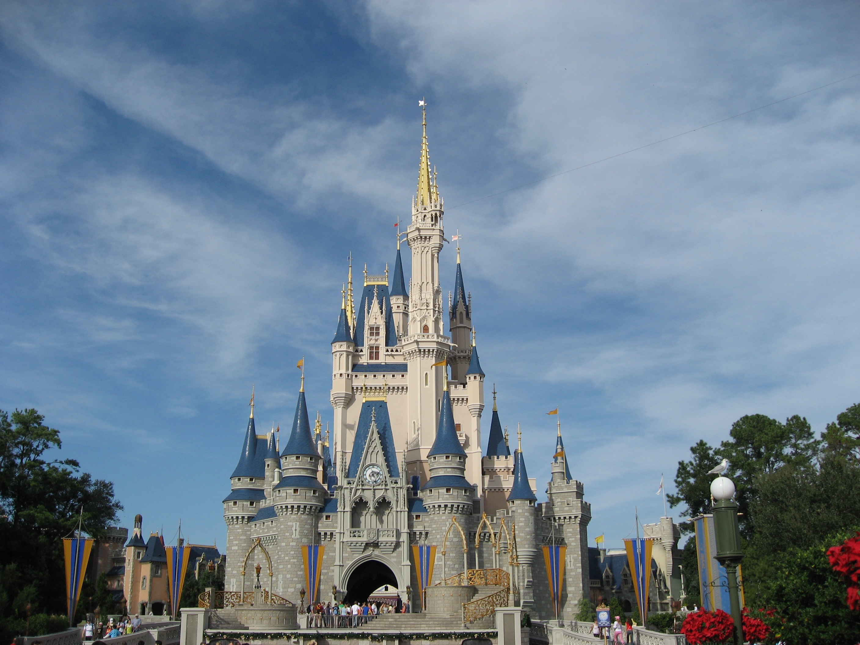 Florida  U S A   Cinderella Castle At Walt Disney World Entrance