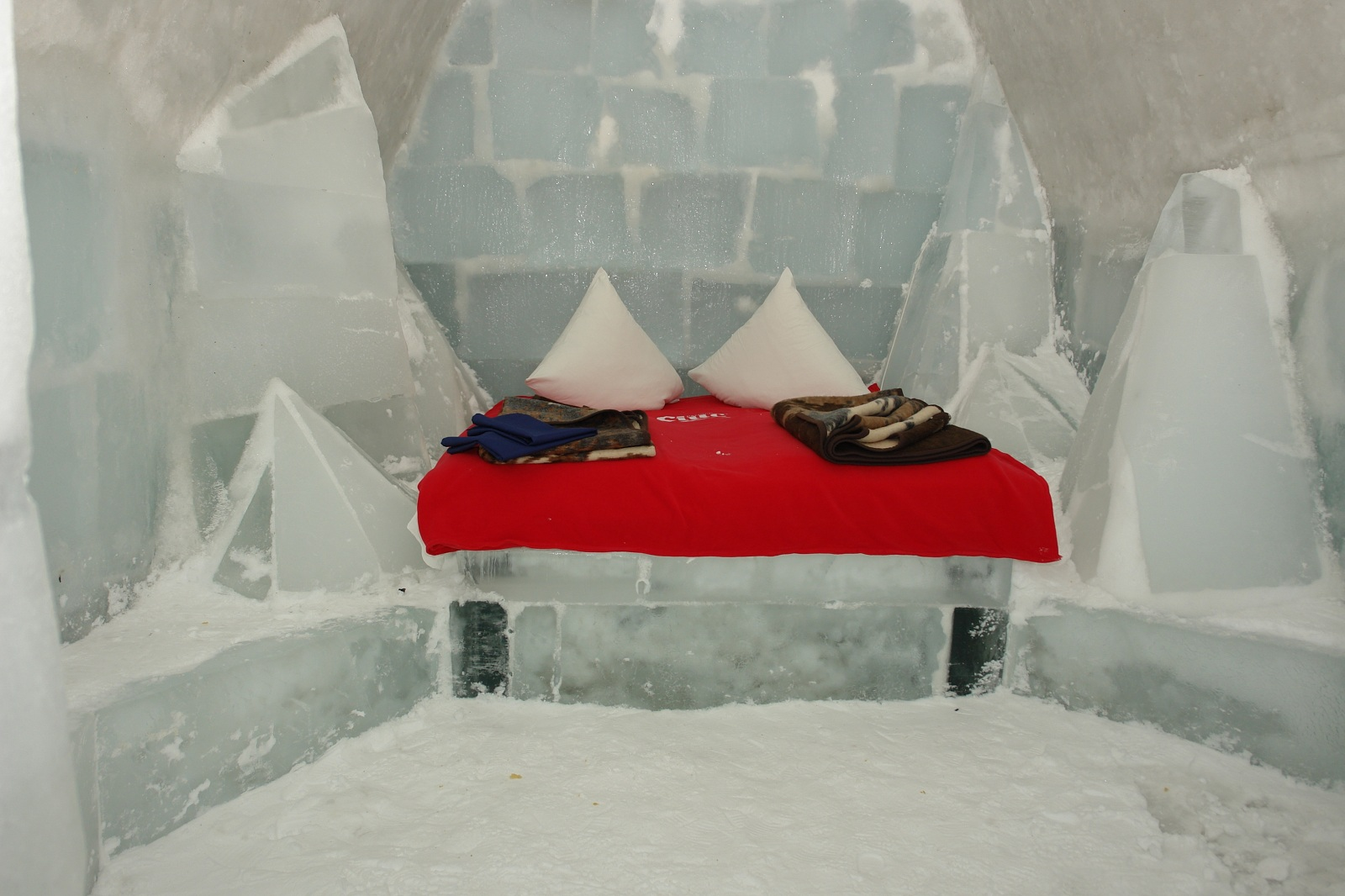 Ice Hotel Room Pictures