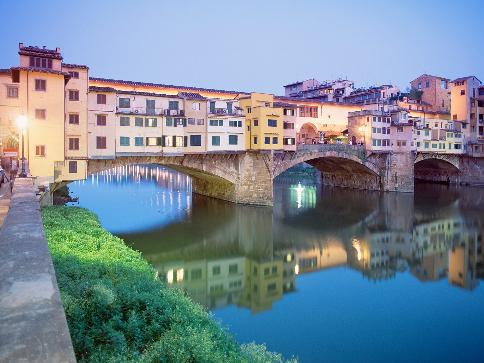 http://www.worldalldetails.com/article_image/ponte_vecchio_florence_462468.jpg