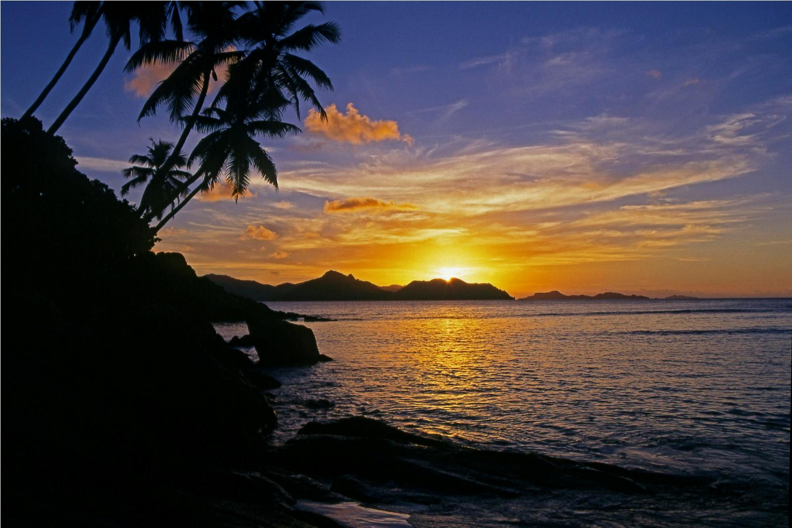 http://www.worldalldetails.com/article_image/seychelles_islands_africa_029016.jpg