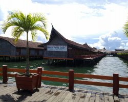 Attractive Floating Hotels, Semporna, Malaysia, Dragon Inn Floating Resort