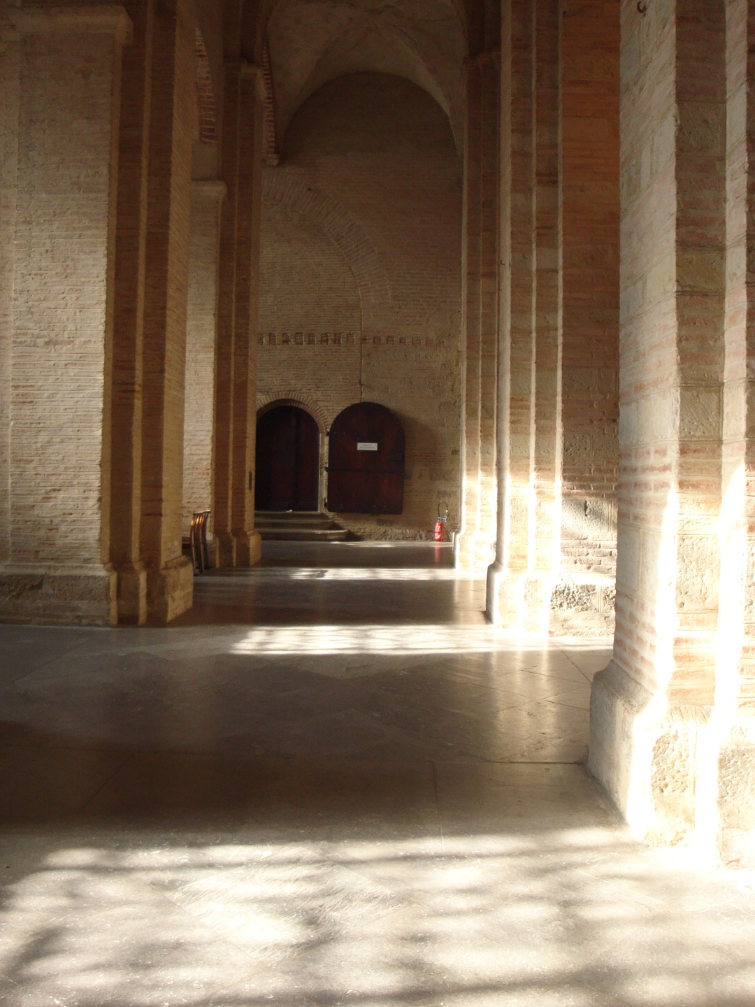 Basilique Saint Sernin, Toulouse, France, Interior corridor