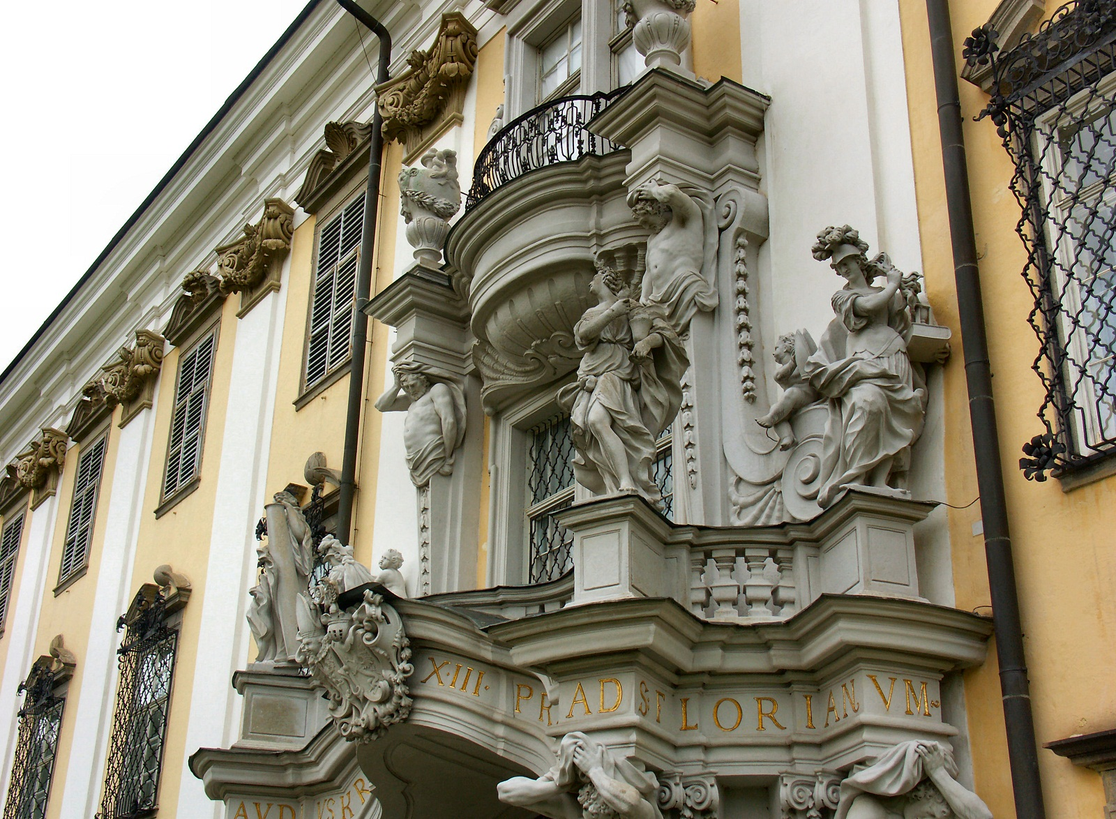 Saint Florian Abbey, Austria, Statues at entrance