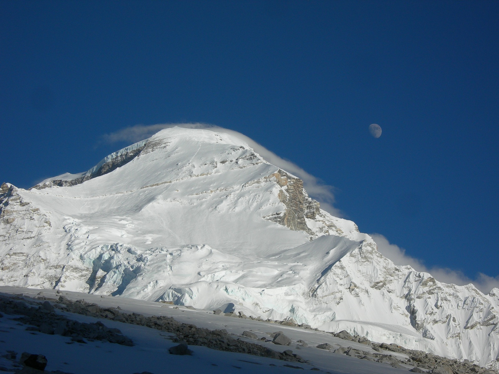 Tallest Mountains, Cho Oyu, Himalayas, The Moon watching the peak