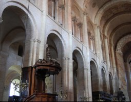 Basilique Saint Sernin, Toulouse, France, Nave interior
