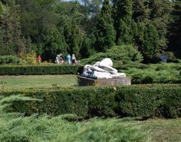 Herastrau Park, Bucharest, Romania, Women at sleep statue