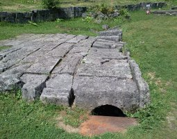 Sarmizegetusa, Romania, Sewerage system of 2000 years old