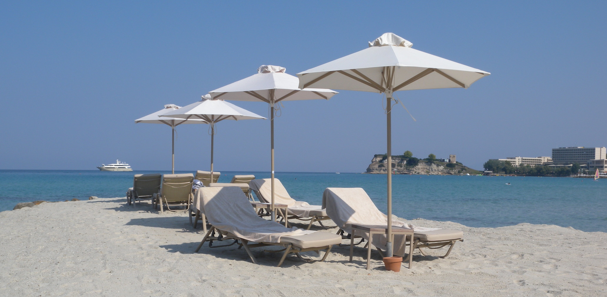 Hottest Families Resorts Halkidiki Greece Sani Beach Resort Lounge Chairs